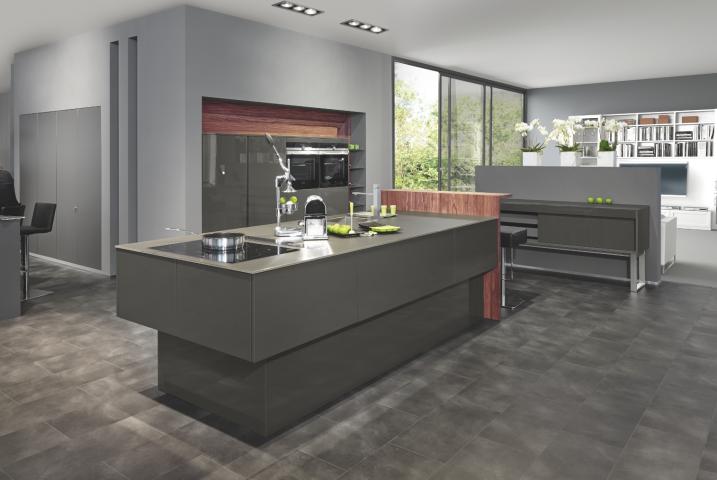 repr sentant de cuisine beckermann en suisse. Black Bedroom Furniture Sets. Home Design Ideas